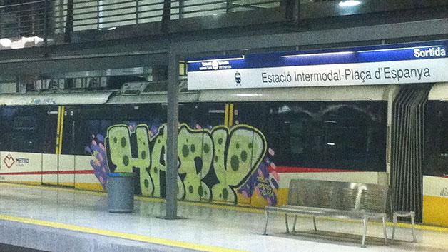 mallorca travel graffiti