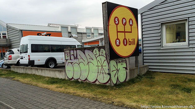 iceland graffiti travels