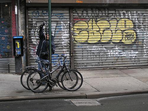 MANY CYCLES by groteskito
